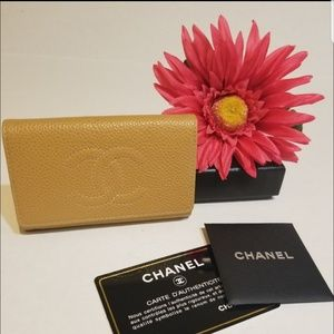 Authentic Chanel Caviar leather 6 ring key wallet